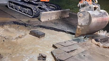 Ein Wasserrohrbruch könnte der Grund für die erneuten Keime im Dinkelscherber Grundwasser sein. Nun müssen einige Ortsteile ihr Wasser wieder abkochen.