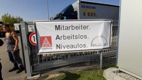 Die Arbeiter von MAN Truck & Bus protestierten gegen Kündigungen in ihrem Unternehmen.