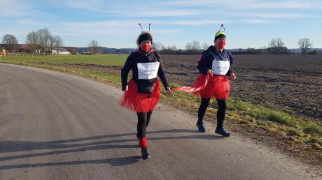 Obwohl der Gersthofer Silvesterlauf wegen der Corona-Pandemie abgesagt wurde, machten sich Monika Gaertig und Christine Schmid als Glückskäfer auf den Weg. Selbstverständlich mit einem Hygienekonzept.