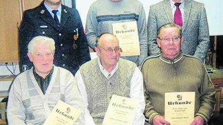 Wehr Altenmünster ehrt verdiente Mitglieder