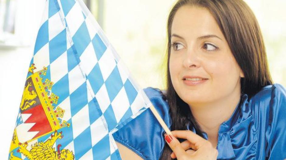 Uni Augsburg: Eine junge Türkin bringt Deutschen Englisch