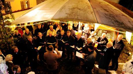 Der Weihnachtsmarkt in der Alten Silberschmiede lockt wieder Besucher aus der Region an. Alle Infos zu Öffnungszeiten, Anfahrt & Parken, Programm & Zeiten: hier.
