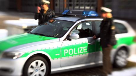 Die Fäuste flogen am Mittwochnachmittag in einem Augsburger Asylbewerberwohnheim. Ein Bewohner wollte laut Polizei seinen Zimmerkollegen töten.