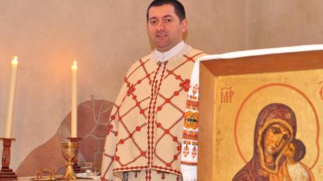 Andriy Pizo feiert die Gottesdienste der ukrainischen griechisch-katholischen Kirche in der Heiligsten Dreifaltigkeit in Kriegshaber.