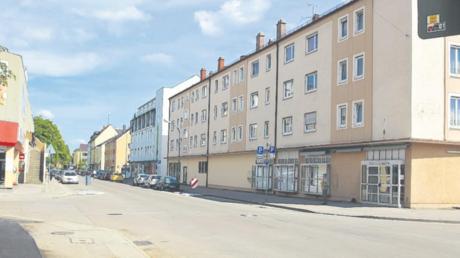 Vom Ziel, ein Stadtteilzentrum mit Aufenthaltsqualität zu werden, ist die Hofackerstraße weit entfernt.