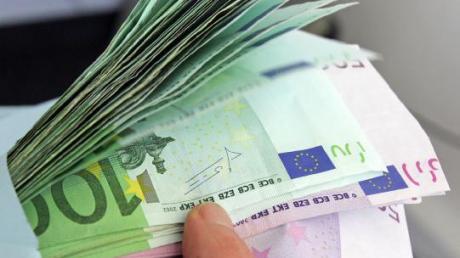 Beim Geldwechseln hereingelegt worden ist eine Frau in Horgau (Symbolbild)