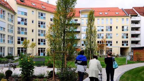 """Das Seniorenheim """"Haus Lechrain"""" verfügt über 180 Plätze. Jetzt wurden dort die Bewohner des Haus Marie aufgenommen."""