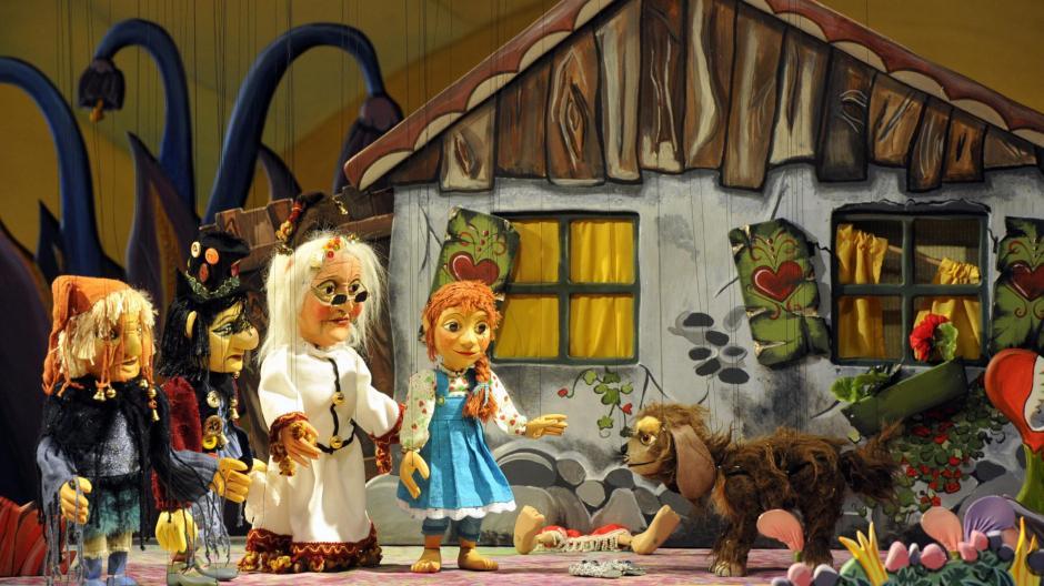Marionettentheater An Weihnachten Kommt Die Augsburger Puppenkiste