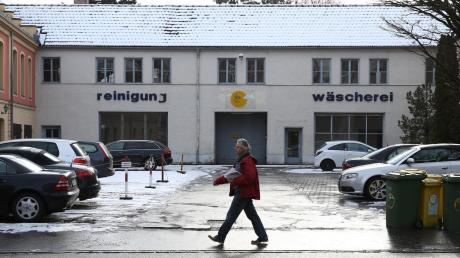 Es hat lange gedauert, doch nun bekommt auch der Augsburger Stadtteil Göggingen ein Bürgerbüro. Es soll in den Alten Milchhof ziehen.