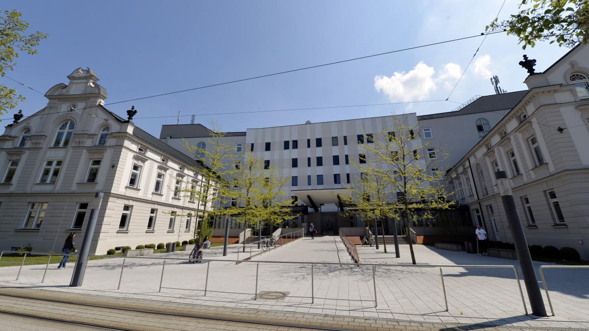 augsburg stadt hessing klinik elf rzte gehen lokales. Black Bedroom Furniture Sets. Home Design Ideas