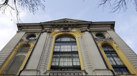 Das Gebäude der Staats- und Stadtbibliothek steht unter Denkmalschutz.  Mit einem Erweiterungsbau  soll die Bibliothek ertüchtigt werden.  (Archivbild)