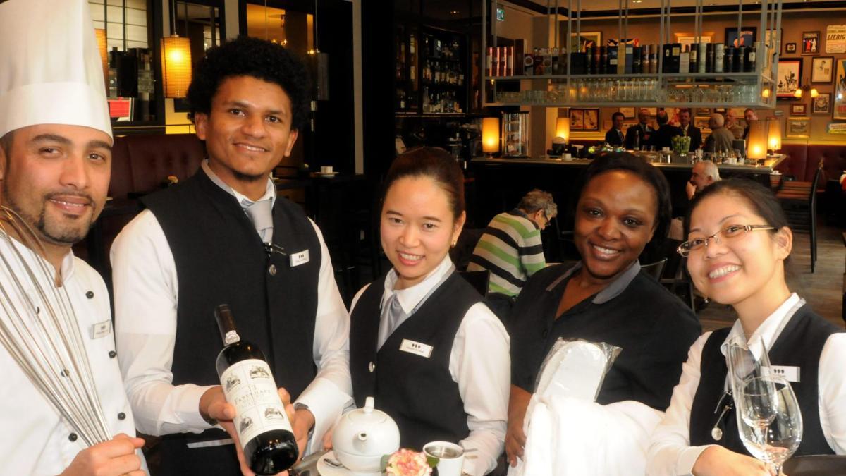 augsburg  warum nicht nur die hotelerie migranten braucht - lokales  augsburg