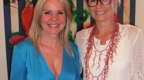 Alexandra Holland und Sandra Hörmann freuten sich über die Begegnung mit dem international gefragten Künstler Stefan Szczesny.