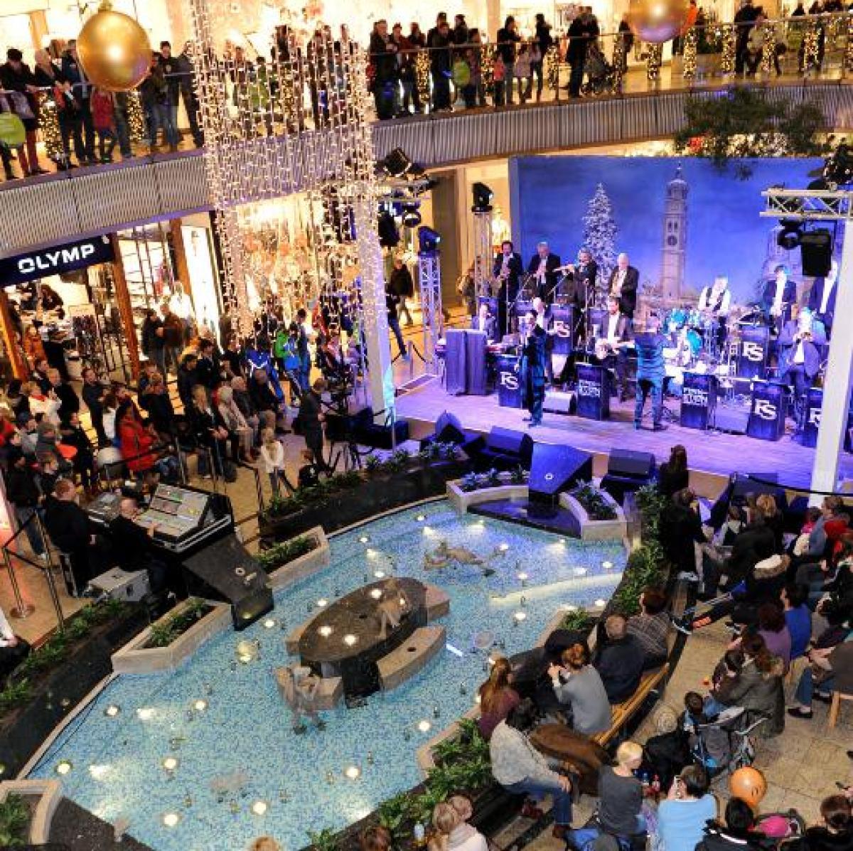 29c32a4284cb1 Augsburg  Lange Einkaufsnacht und Schuh Schmid machen Shopping zum Event -  Lokales (Augsburg) - Augsburger Allgemeine