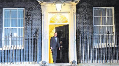 Premierminister Cameron verlässt die Downing Street 10, um den EU-Ratspräsidenten Donald Tusk zu begrüßen.