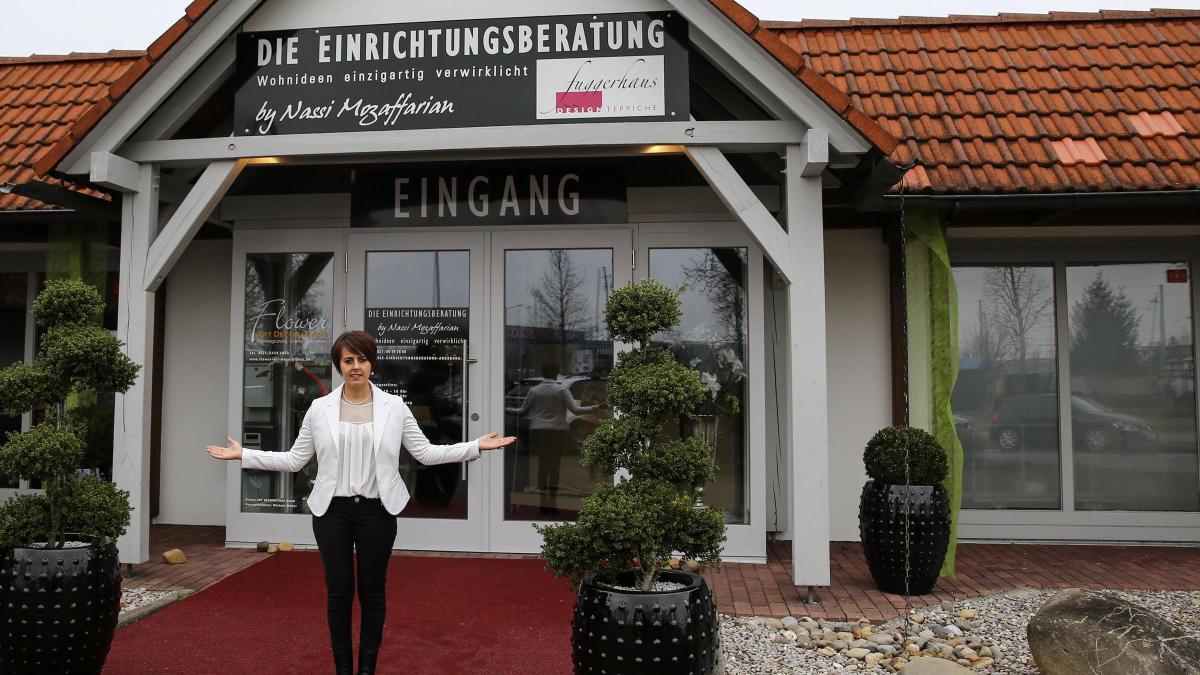Augsburg Möbelhaus augsburg möbelhaus raus asylbewerber rein mieterin erfährt davon