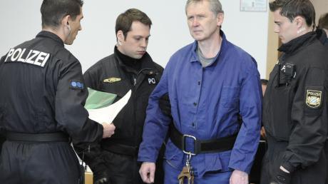 Der zweifache Polizistenmörder Rudolf Rebarczyk ist gemeinsam mit seinem Bruder zu einer Schmerzensgeldzahlung verurteilt worden.