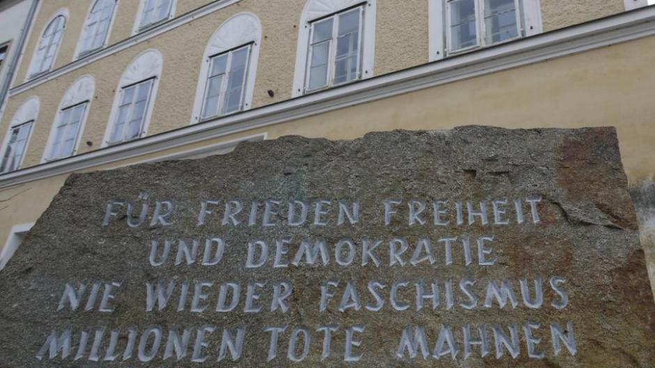 Braunau Am Inn österreich Will Eigentümerin Von Hitlers Geburtshaus