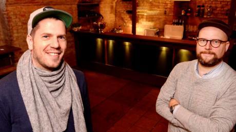 Sebastian Hrabak (links) und Christoph Steinle in den Räumen des künftigen Clubs Bungalow.