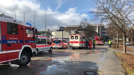 Die beiden Männer hatten Brände in der Reischleschen Wirtschaftsschulegelegt. Die Feuerwehr war mit einem Großaufgebot angerückt.