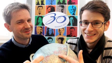 Hochschulberater Adrian Bieniec (links) hat Student Maximilian Braun Tipps gegeben. Der Meitinger war sechs Monate in Spanien.