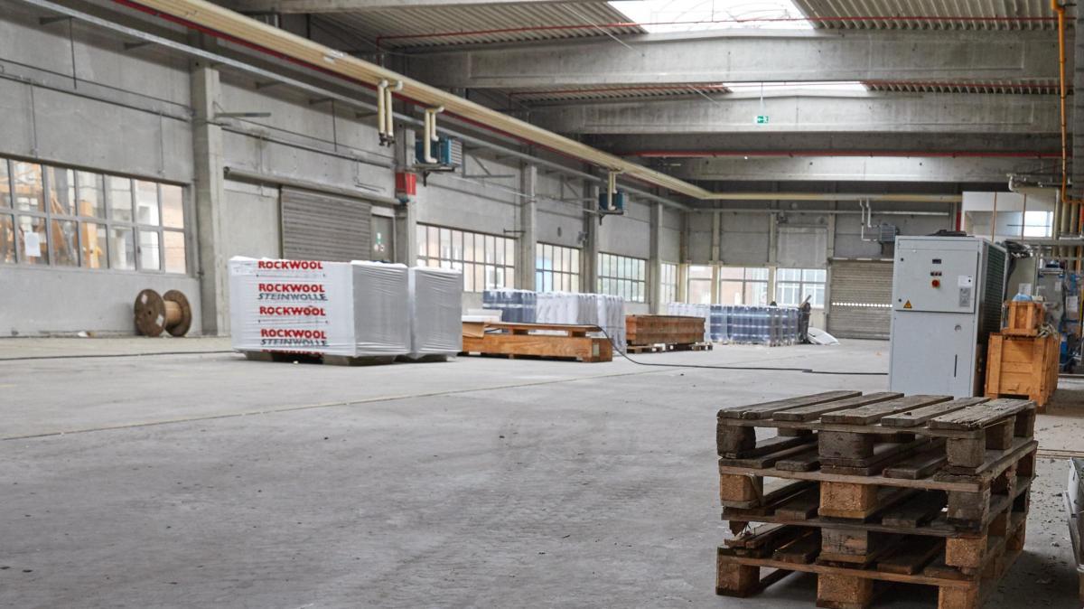 augsburg diese lagerhalle wird bald zum theater lokales augsburg augsburger allgemeine. Black Bedroom Furniture Sets. Home Design Ideas