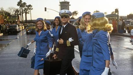"""Im Film """"Catch Me If You Can"""" gab Frank (Leonardo di Caprio) sich als Pilot aus. Nun steht in Augsburg ein Mann vor Gericht, der eine Frau mit derselben Masche betrogen haben soll."""