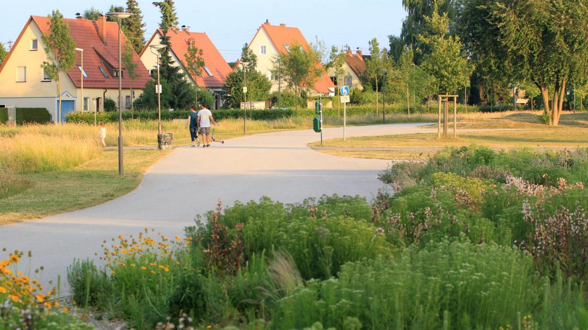 augsburg wohnen in der stadt und doch im gr nen lokales augsburg augsburger allgemeine. Black Bedroom Furniture Sets. Home Design Ideas