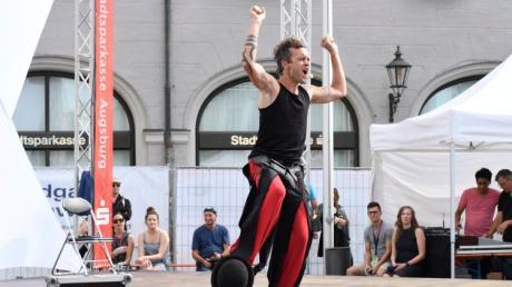 Das Straßenkünstlerfest La Strada wartet bis 29. Juli in der Innenstadt von Augsburg mit zahlreichen Programmpunkten auf.