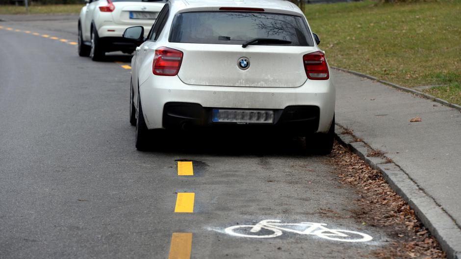 Augsburg Radler Machen Fotos Von Autos Auf Radweg 55 Fahrer
