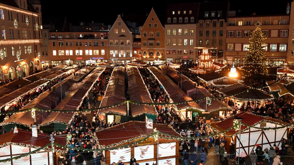 Weihnachtsmarkt Noch Geöffnet.Veranstaltungen Weihnachtsmarkt Finale Und Zirkus Die Tipps Fürs
