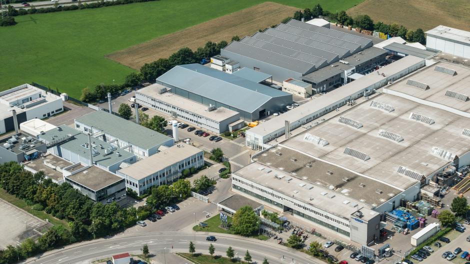 Das Faurecia-Gelände an der Biberbachstraße an der Stadtgrenze zwischen Augsburg und Gersthofen. Hier sollen 140 Stellen wegfallen.