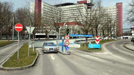 Die Parküberwachung am Augsburger Klinikum sorgt für Ärger.