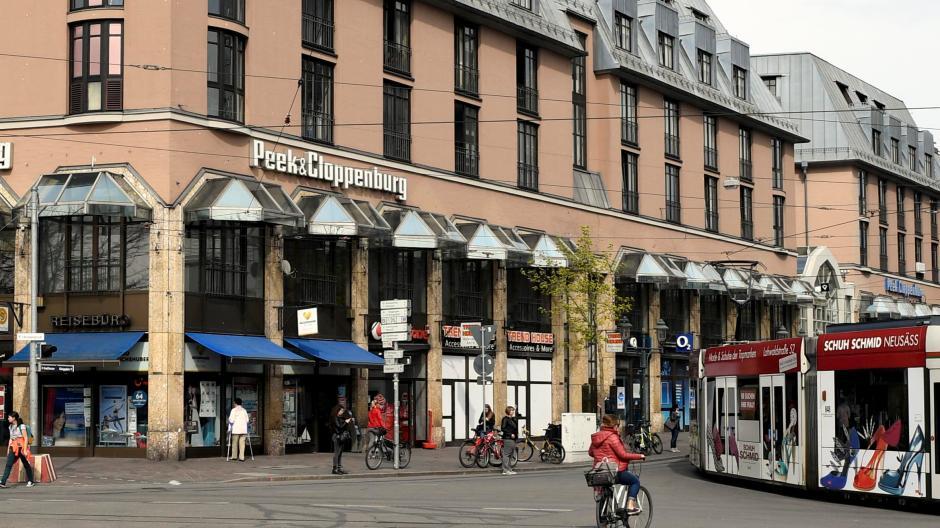 a0917fa0117044 Noch sitzt Peek Cloppenburg in der Bahnhofstraße. Bald soll eine neue  Filiale in der Annastraße eröffnet werden. Handelt es sich um einen Umzug