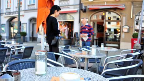 Für die Augsburger Gastronomen ist es schwieriger geworden Personal für den Sommer zu finden.