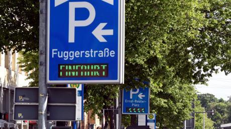 Die Debatte um eine neue Tiefgarage in der Fuggerstraße geht weiter.