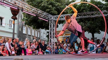 Das La Strada in Augsburg ist nur eines von mehreren Festivals in der Region, die am Wochenende um Besucher buhlen.