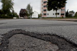 Wer zahlt jetzt für die Erneuerung von Straßen?