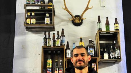 Matthias Gruber importiert besondere Biersorten. <b>Fotos: Bernd Hohlen</b>