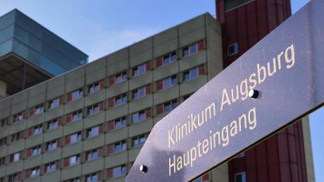 Obwohl Frauen mit Brustkrebs sehr gut im Klinikum Augsburg betreut werden, schnitt die Abteilung in einer Studie schlechter ab.