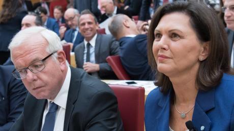 Haben ihren Streit beigelegt: Thomas Kreuzer und Ilse Aigner.
