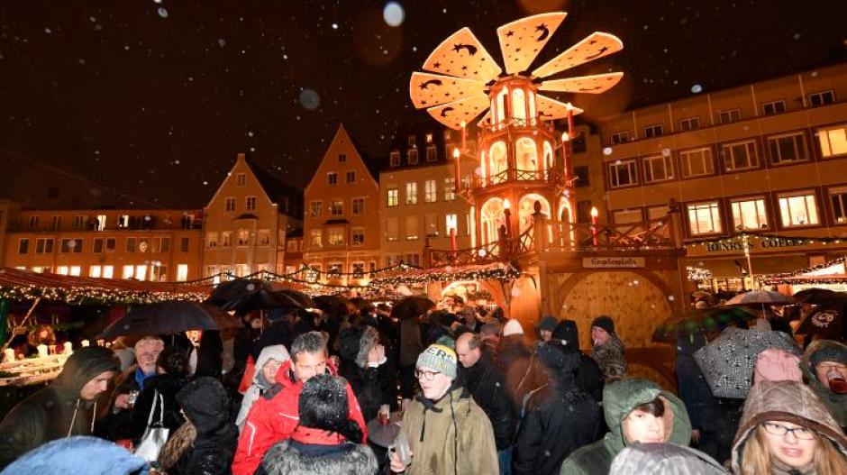 Weihnachtsmarkt Fürth.Christkindlesmarkt 2018 So Schneidet Augsburg Beim Weihnachtsmarkt