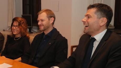 Christian Moravcik (Mitte) ist in der SPD angekommen Neben ihm Margarete Heinrich und Florian Freund.