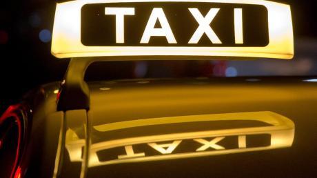 In Oberhausen ließ ein Taxifahrer eine Fahrt eskalieren. Symbolbild