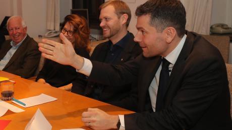 Anfang Dezember präsentierten Fraktionschefin Margarete Heinrich und ihr Vize Florian Freund (rechts) Christian Moravcik neu in der SPD-Stadtratsfraktion. Am Dienstag gibt es andere Personalie in der Fraktion: Freund übernimmt den Vorsitz von Heinrich, die als Stellvertreterin weitermacht.