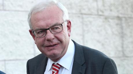 """CSU-Landtagsfraktionschef Thomas Kreuzer kritisiert die AfD für einen möglichen """"Dexit""""."""