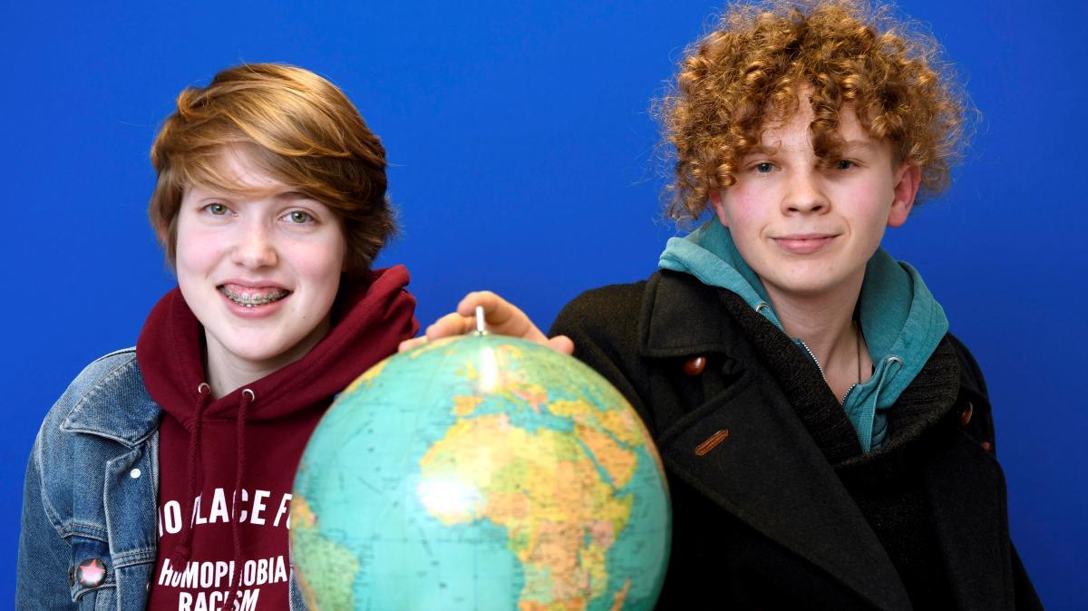 Schüler schwänzen Schule, um gegen Klimawandel zu protestieren