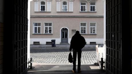 Markus ist 52 – und seit 2011 obdachlos. An diesem Tag hat er die Wärmestube des katholischen Sozialverbandes SKM in der Klinkertorstraße besucht.