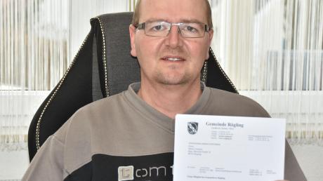 Ohne jemals kandidiert zu haben, ist Martin Templer nun Mitglied des Gemeinderats in Rögling. Er rückte nach, weil vier Bürger seinen Namen zusätzlich auf den Wahlzettel schrieben.