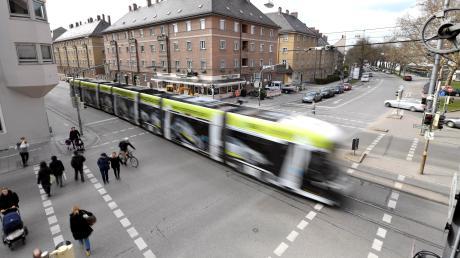 München erhält bereits bis zu 35 Millionen Euro für den Nahverkehr vom Freistaat. Nun kann auch Augsburg auf Geld hoffen - und die Fahrgäste auf sinkende Preise.